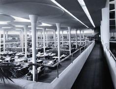 frank lloyd wright johnson wax building interioropen office space in desktop wallpaper Interesting Buildings, Amazing Buildings, Beautiful Architecture, Architecture Details, Historic Architecture, Classic Architecture, Building Architecture, Johnson Wax, Frank Lloyd Wright Buildings