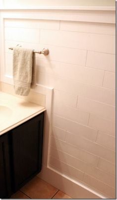 Tutorial for how to create an inexpensive plank wall. We will show you how to get this look, what materials are used, and our personal tips. Wainscoting Bedroom, Dining Room Wainscoting, Wainscoting Styles, Faux Wainscoting, Do It Yourself Furniture, Plank Walls, Wall Treatments, Diy Home Improvement, Home Projects