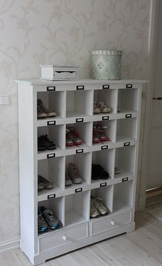 great cabinet for shoes! love this idea