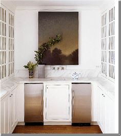 A beautiful butler's pantry