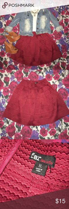 Cute Circle Skirt! (Size XL) Only selling the skirt! Super cute, high-waisted circle skirt! Can go from day to night easily! Simple and cute with a black or white solid shirt tucked in and some flats 💁🏼 or dress it up for a night on the town with your girlfriends by adding wedges and statement jewelry 👑 Be sure to check out the rest of my closet for some cute summer pieces! ☀️Happy shopping girlie ☺️💕 //SMOKE-FREE HOME// Skirts Circle & Skater