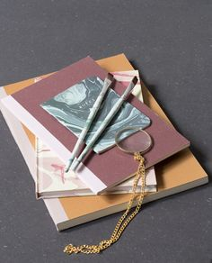 Enjoy your writings to the fullest by using graceful office supplies with delicate, marbled designs // Office supplies from DKK 3,98 / ISK 96 / SEK 5,60 / NOK 5,40 / EUR 0,56 / GBP 0,53