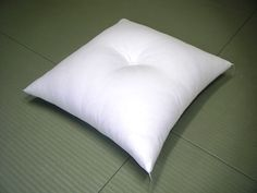gofukushingutangoya: Contents increase in quantity cushion contents (meisen silk cloth size) connection word: Bed Pillows, Cushions, Global Market, Traditional Japanese, Pillow Cases, Note, India, Medium, Cotton