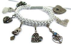 Poszukują najlepszych pomysłów do realizacji zawodowych i osobistych planów  , labradoryt obdarza oryginalnością i entuzjazmem. Charms, Bracelets, Jewelry, Charm Bracelets, Jewellery Making, Jewerly, Bracelet, Jewlery, Jewelery