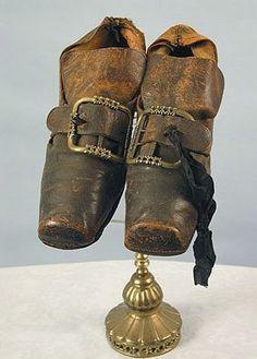 Zapatos masculinos. Siglo XVIII.