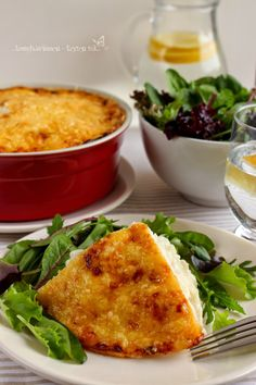 ...konyhán innen - kerten túl...: Sajtos karfiol Hungarian Recipes, Cornbread, Ethnic Recipes, Food, Millet Bread, Essen, Meals, Yemek, Corn Bread