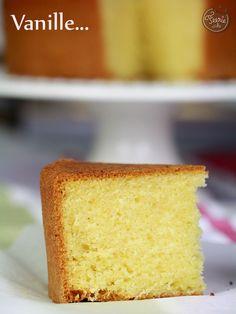 sponge cake2 Le sponge cake à la vanille : Pour un moule à gâteau rond de 20cm – 200g de farine – 200g de beurre à température ambiante – 200g de sucre – 1 cc de levure – 4 oeufs à température ambiante – 1 cc d'extrait de vanille