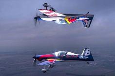 Red Bull Luftflotte - Flugzeuge & Helikopter Bild 58 - Motorsport
