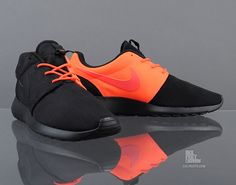 Nike Roshe Run QS Total Crimson Split Pack