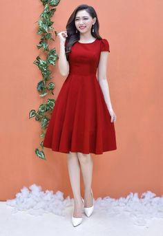 Asian girl with a red dress Modest Dresses, Simple Dresses, Elegant Dresses, Pretty Dresses, Vintage Dresses, Beautiful Dresses, Casual Dresses, Short Dresses, Fashion Dresses