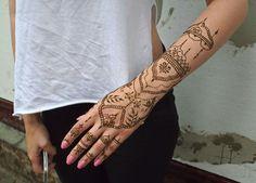 Check at instagram @hennatattoobyancis #henna #hennadesign #hennatattoo