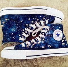 - Hand painted converse shoes canvas shoes lovers shoes flat shoes … Hand painted converse shoes ca - Mode Converse, Converse Outfits, Sneaker Outfits, Sneakers Mode, Cute Sneakers, Converse Shoes, Sneakers Fashion, Fashion Shoes, Galaxy Outfit
