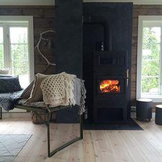 - Feltseng til fjells... #kosforanpeisen #nordseter Hygge, Rustic Cabin Decor, How To Get Warm, Cabin Fever, Home Appliances, Cottage, Awesome, Wood, Instagram Posts