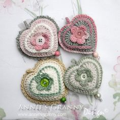 Crochet hearts by Annie's Granny Design - design by Karen an de haak