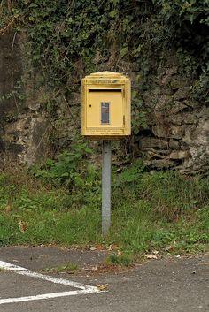 yellow box | Flickr: partage de photos!