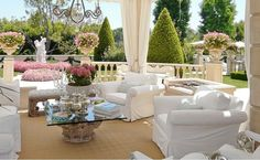 expensivedesign:  Lisa Vanderpump porch in Beverly Hills