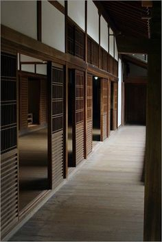 grandiose housing in the Traditional City Japan Interior, Japanese Interior Design, Japanese Design, Dojo, Japanese Style House, Traditional Japanese House, Japan Architecture, Architecture Design, Design Oriental