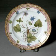 Plate, Small ROYAL DANISH PORCELAIN FACTORY (DANISH, COPENHAGEN, b. 1774–PRESENT) C. 1861-1863