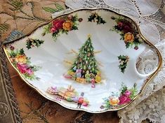 CHARMING Vintage CHRISTMAS MAGIC By Royal Albert English Bone