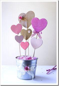 Para mamá (o sea yo) Valentine Crafts For Kids, Valentine Day Crafts, Happy Valentines Day, Diy Arts And Crafts, Crafts To Sell, Paper Crafts, Diy Crafts, Diy Valentine's Day Decorations, Valentines Day Decorations