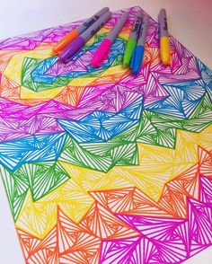 the colors and illusions of simple lines #zentangle #zenspire #zenspiredesigns…