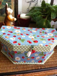 Des boîtes et des tissus....