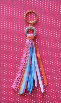 .Porta-chaves #2 - [fitas rosa/ turquesa/ laranjas e ferragens]: 6 fitinhas.  https://www.facebook.com/cemfitas