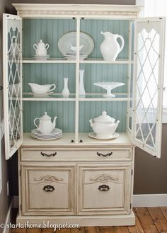 Duck Egg Blue Chalk Paint® by Annie Sloan adds a dose of gorgeous color to a hutch | Project by Start at Home Decor
