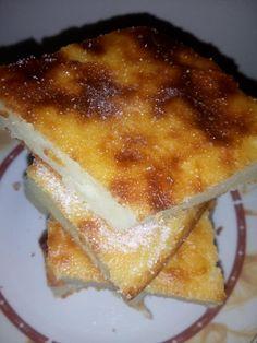 """Νόστιμη συνταγή μαγειρικής από """"Tsampika Tsampika - ΟΙ ΧΡΥΣΟΧΕΡΕΣ / ΗΔΕΣ"""" ΥΛΙΚΑ: 1 1/2 lt γαλα 1 τσαγιού σιμιγδάλι ψιλό 1 /2 φλ αλεύρι 1 1/2 φλ τσαγιού ζάχαρη 3 κουταλιές βούτυρο 5 αυγά 2 βανιλιες Μια φλούδα λεμονιού ΕΚΤΕΛΕΣΗ Βαζουμε το Greek Sweets, Greek Dishes, French Toast, Milk, Pudding, Breakfast, Desserts, Recipes, Food"""