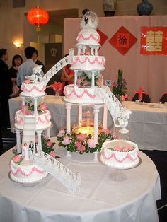 If Barbie's Dream House were actually a wedding cake...