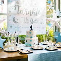 Στολισμός βάπτισης με candy bar με θέμα το αστέρι Little Star, Twinkle Twinkle, Christening, Place Cards, Place Card Holders, Candy, Table Decorations, Stars, Home Decor