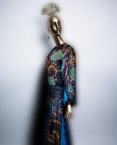 Yves Saint Laurent F/W 1977 Collection black silk jacquard with polychrome print. Courtesy of Fondation Pierre Bergé–Yves Saint Laurent | Photography © Platon #ChinaLookingGlass #AsianArt100