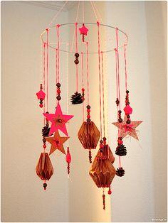 Papier-Plissee selbermachen Mobile basteln Sterne basteln Weihnachtssterne Plissee basteln Anleitung 6