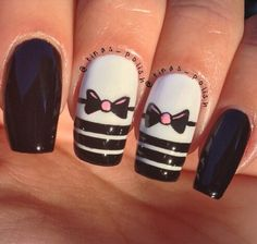 Striped bow nails