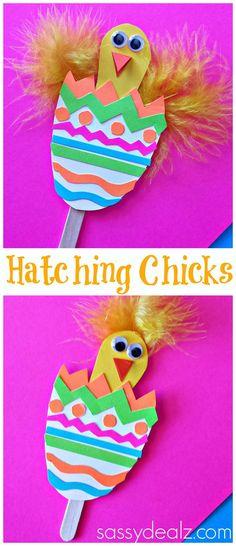 Easter #Craft for Kids! Hatching Chicks in #Easter eggs! #DIY | CraftyMorning.com