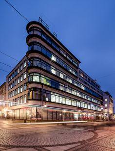 Department Store Facade Glas  Erich Mendelsohn. Kaufhaus Petersdorff - Petersdorff Department Store. Wrocław 1927 - 1928.  Photographer Maciek Lulko