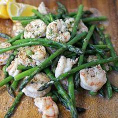 Low Calorie Garlic Shrimp with Asparagus | Going Cavewoman