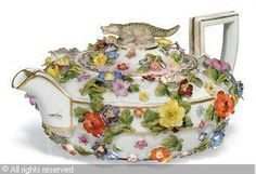 MEISSEN,FLOWER-ENCRUSTED TEAPOT AND COVER
