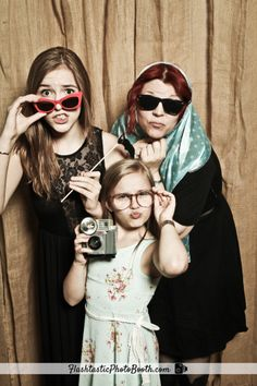 """Lennon and Maisy Stella from the TV show """"Nashville"""" strike some fun poses! Nashville Quotes, Nashville Tv Show, Nashville Wedding, Lennon Stella, Drama Tv Series, Crazy Ex Girlfriends, Academy Award Winners, Cool Poses, Country Music Singers"""