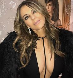 Liz Hurley shows off her envious curves in a figure-hugging black dress at the US Ambassadors bash Elizabeth Hurly, Elizabeth Jane, Actrices Hollywood, Celebs, Celebrities, Pretty Woman, Curves, Beautiful Women, Actresses