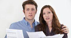 En el mercado actual, con el aumento en los precios de las casas y la falta de inventario, algunos vendedores tal vez consideren vender la casa por su cuenta, conocido en la industria como 'For Sale By Owner'*. Hay varias razones por las que esta no sería la mejor idea para la gran mayoría de los ve
