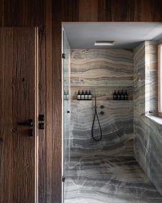 Upstairs Bathrooms, Dream Bathrooms, Beautiful Bathrooms, Bathroom Design Inspiration, Bad Inspiration, Marble Tile Bathroom, Awesome Bedrooms, House Goals, Dream Decor