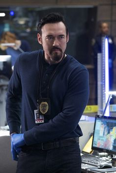 "THE STRAIN -- ""Gone But Not Forgotten"" -- Episode 304 -- (Airs Sunday, September 11, 10:00 pm e/p) Pictured: Kevin Durand as Vasily Fet. CR: Michael Gibson/FX"