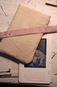 15 Really Cool DIY Kindle Covers And Cases   Shelterness
