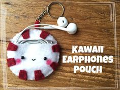 How to make Starbucks diy earphone cable holder, this diy tutorial shows how. this diy earphone pouch is a great gift idea for valentines. Felt Crafts Kids, Christmas Crafts For Kids, Diy Crafts For Kids, Fun Crafts, Kawaii Crafts, Kids Diy, Decor Crafts, Felt Bookmark, Bookmark Craft