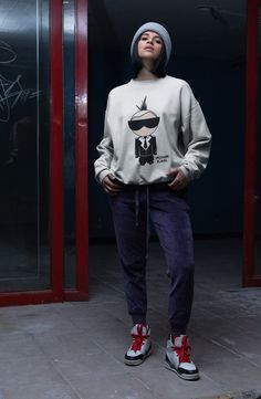 IKONIK KARL SWEATSHIRT Sweater Making, Mens Fashion Suits, Men Style Tips, Mens Clothing Styles, Casual Looks, Street Wear, Tee Shirts, Normcore, Sweatshirts