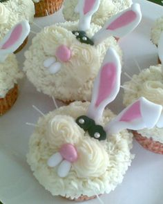 bunny cupcakes by Barbara
