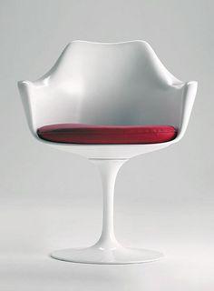 Swivel chair with armrests SA05 by Matrix International | #Design Eero Saarinen (1958) #white #saarinen