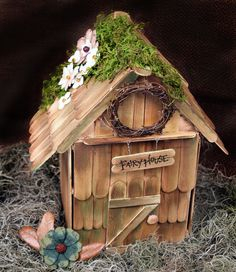 Miniature fairy gardens 206813807867280361 - Fairy House Source by adllws Popsicle Stick Houses, Popsicle Stick Crafts, Craft Stick Crafts, Fun Crafts, Diy And Crafts, Fairy Tale Crafts, Garden Crafts, Garden Ideas, Fairy Garden Furniture