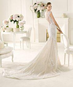 #Mermaid #wedding dress by #Pronovias